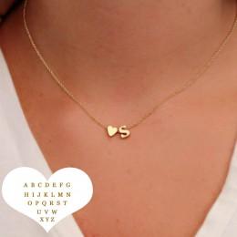 Moda małe serce Dainty naszyjnik z inicjałami z literą nazwa Choker naszyjnik łańcuch kobiety złoty kolor wisiorek biżuteria na